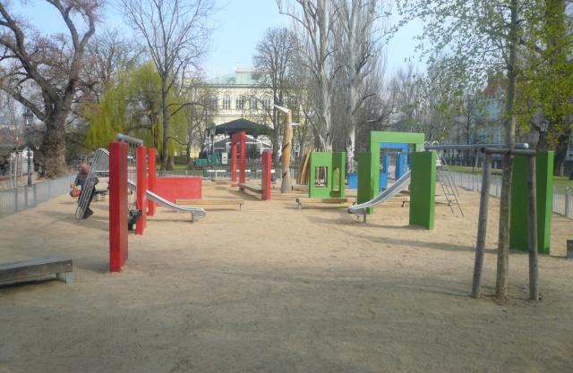 dětské hřiště Slovanský ostrov